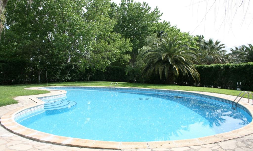 piscina-masia-restaurant-el-pla-dels-catalans