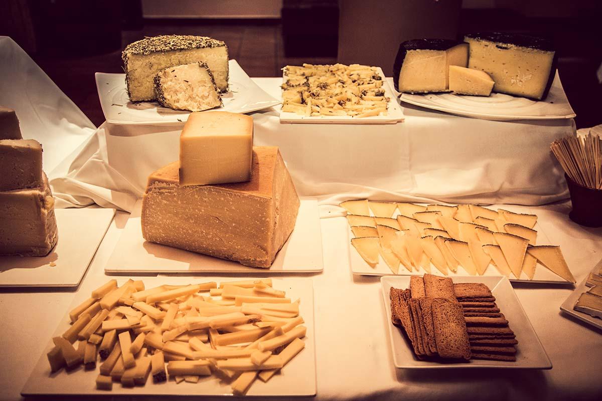 taula de formatges de casament - Masia Pla dels Catalans